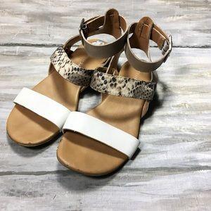 Franco Sarto Snakeskin Glissa Gladiator sandal 6.5